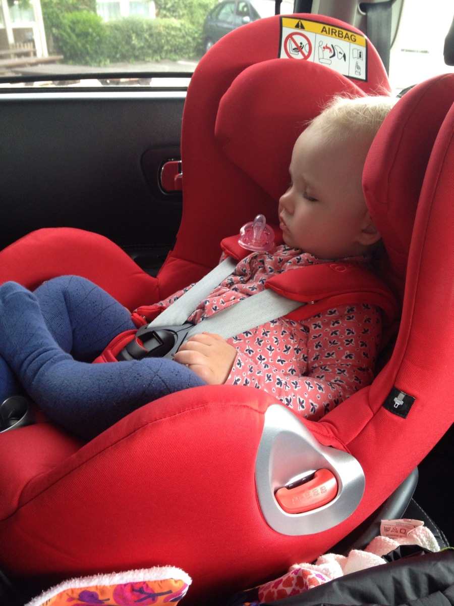 cybex sirona car seat review the acting mamma. Black Bedroom Furniture Sets. Home Design Ideas