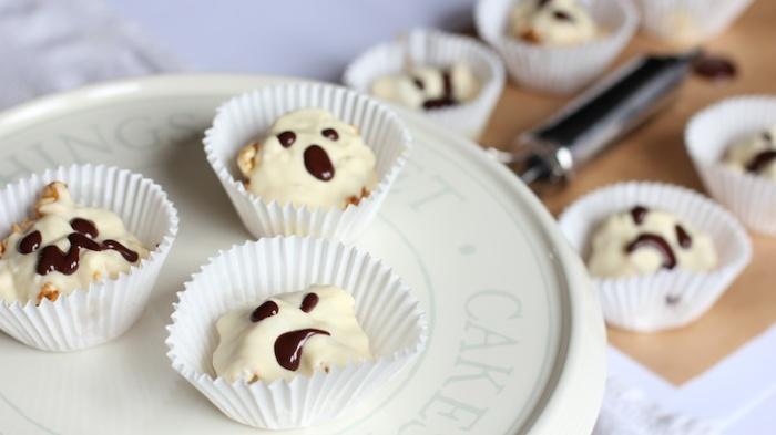 Salted Caramel & White Chocolate Popcorn Ghosts   Emma's Mamma